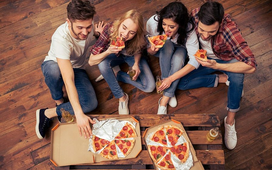Pizza_Men_Jeans_489950_2560x1600.jpg